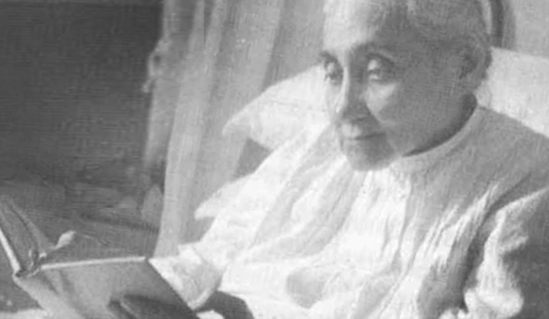 """""""Importune"""" Luísa Piccarreta com suas orações."""