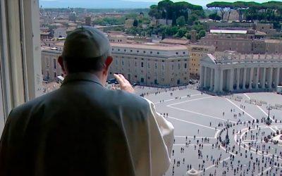 Papa no Regina Coeli: Jesus está ainda e sempre entre nós.