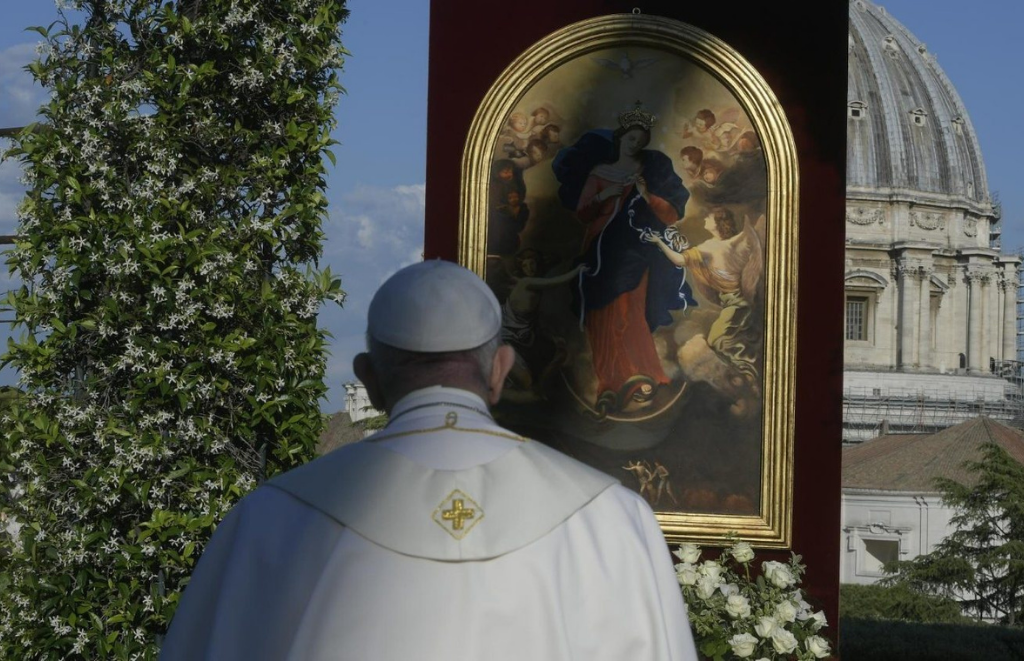 A súplica do Papa a Maria: desata os nós do egoísmo, da indiferença e da violência
